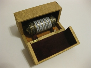 Clamshell box half open
